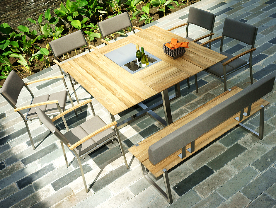 zebra esstisch 145x145 quadux 7410 edelstahl teakholz art. Black Bedroom Furniture Sets. Home Design Ideas