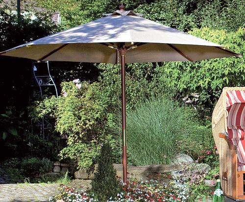 ber 120 sonnenschirme aus holz metall art jardin. Black Bedroom Furniture Sets. Home Design Ideas