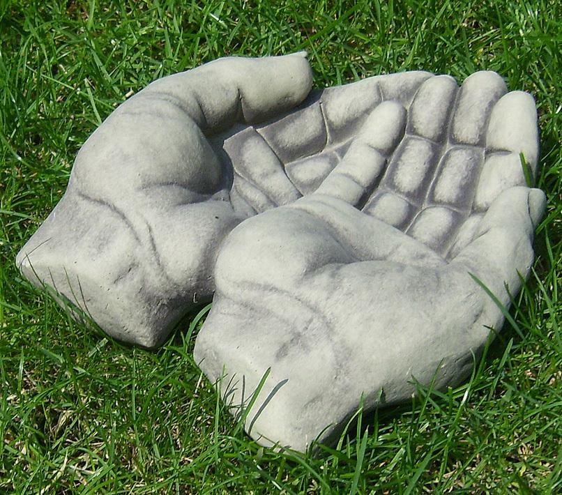 beton zement steingu skulptur h nde offen gartendeko art. Black Bedroom Furniture Sets. Home Design Ideas